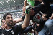 Buffon göz yaşıyla vidalaşdı - Foto