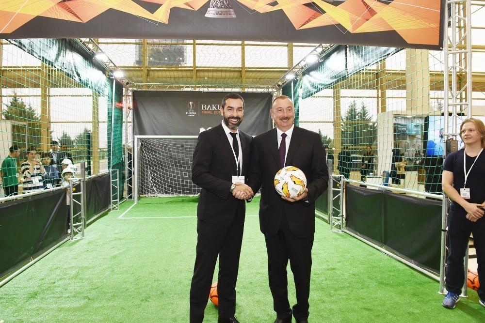 İlham Əliyev Bakıda məşhur futbolçu ilə görüşdü