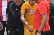 Ağzına arı girən futbolçu xəstəxanalıq oldu - Foto