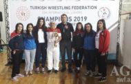 Gənc güləşçilər Antalyadan 11 medalla qayıdır