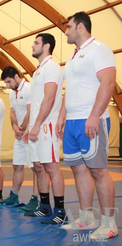Abbasov yarımfinalda, Şəriəti uduzdu - Yenilənir