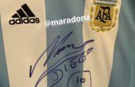 Dieqo Maradona Qara Qarayevə forma göndərdi - Foto