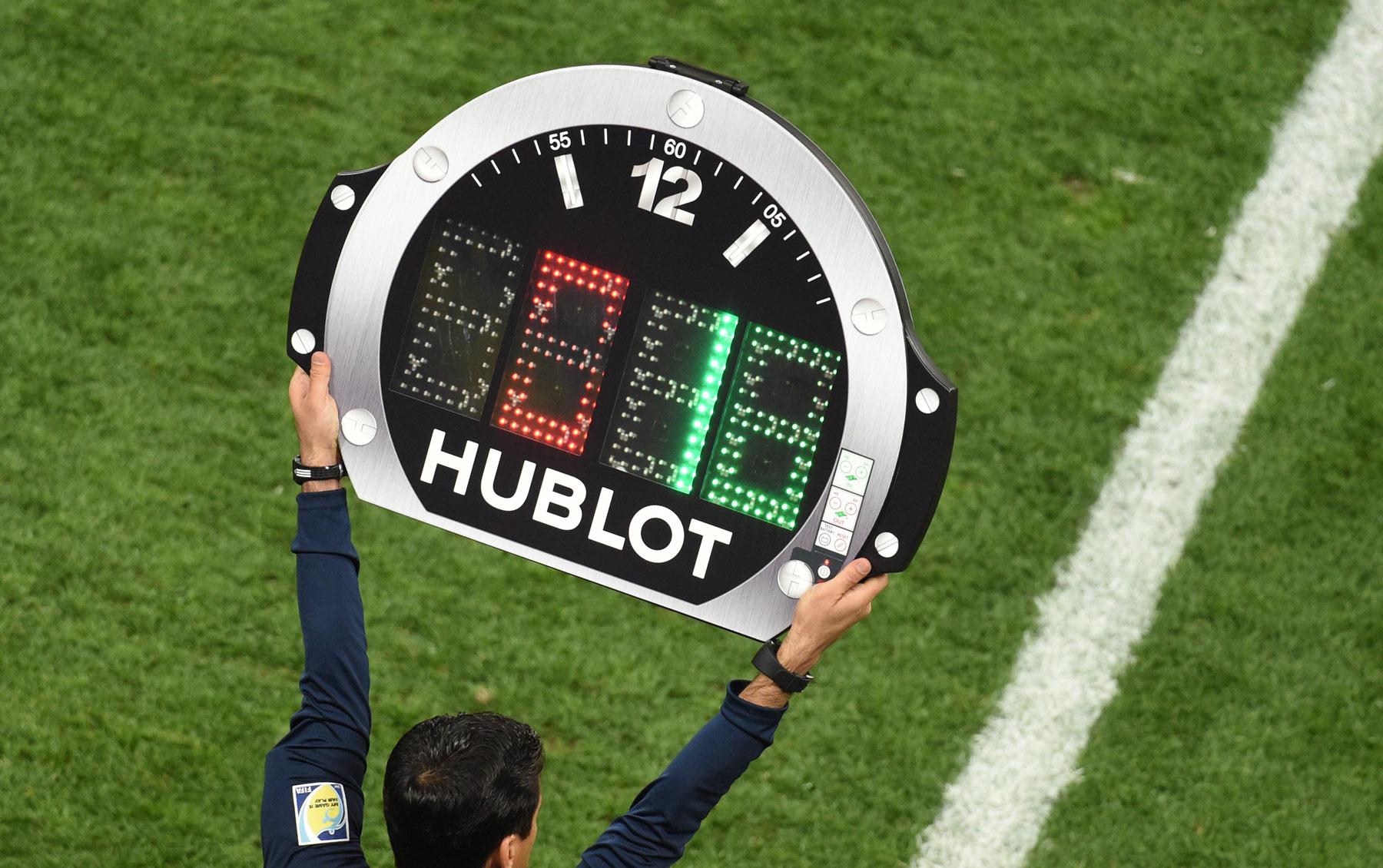 FIFA-dan futbolda oyunçu dəyişikliyi