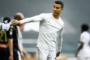 Ronaldo formanı yerə atdı - Foto